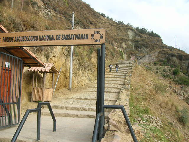 Inca trail to Sacsayhuaman
