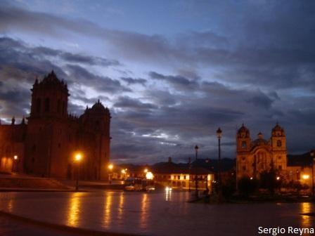 Cusco´s main square at dawn